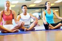 ćwiczenia na macie do yogi