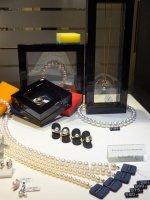 Różnego rodzaju biżuteria z pereł