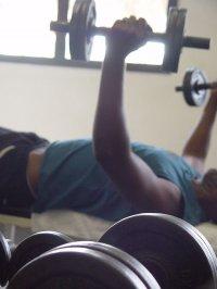 ćwiczenie na siłowni